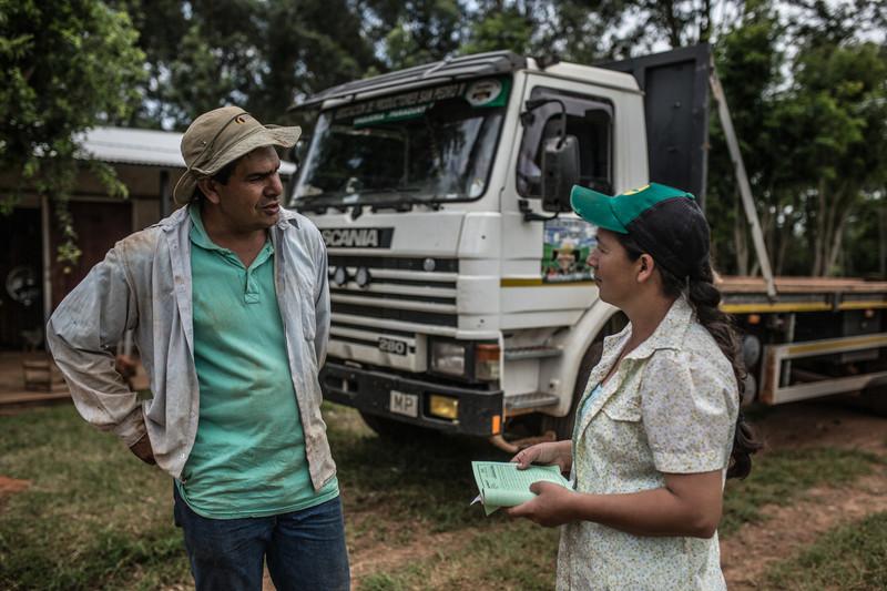 Julia Leguizamón forma parte de la asociación campesina San Pedro II, una empresa productora y comercializadora de productos hortícolas – como el pimiento verde – y queso de la comunidad de Vaquería, Paraguay. Foto: Pablo Tosco/Oxfam