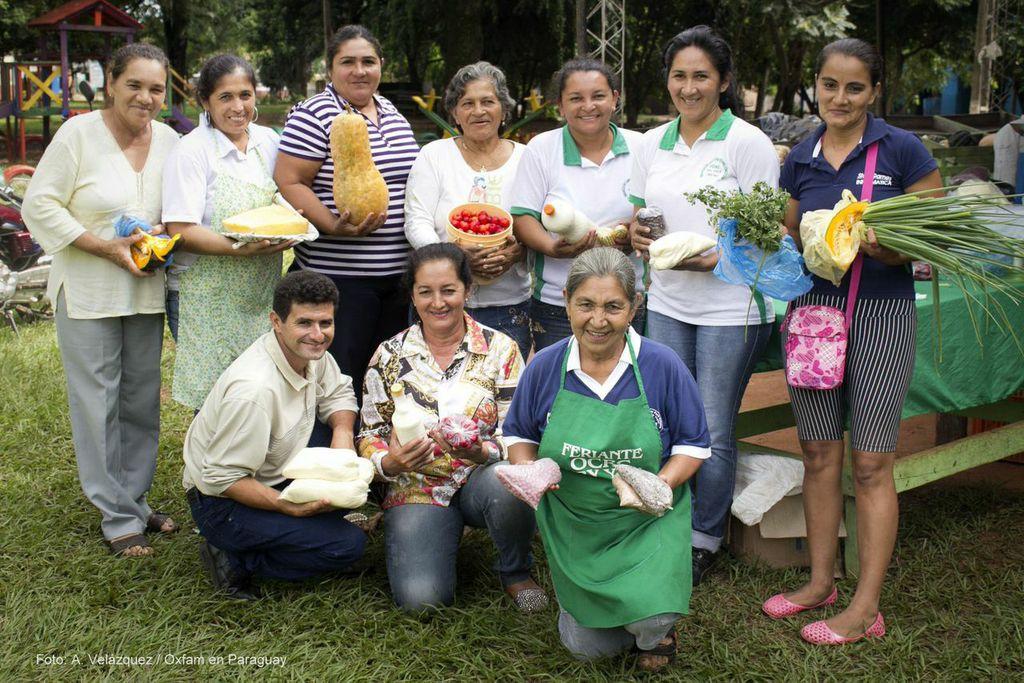 Feriantes OCRC Paraguay con el apoyo de Oxfam. Foto: A. Velázquez / Oxfam