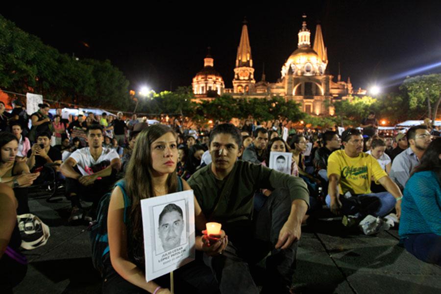 Guadalajara - Las movilizaciones siguen para pedir que vuelvan los 43 desaparecidos en Ayotzinapa. Foto: Oxfam México