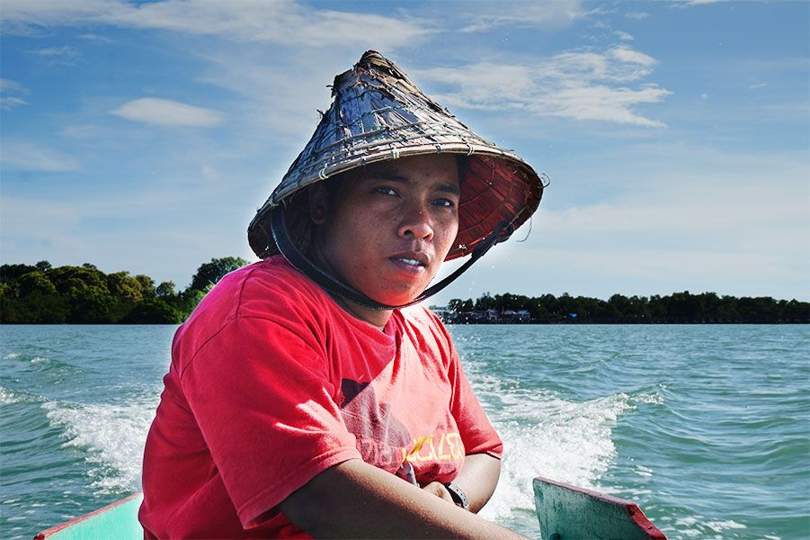 With the help of local women's rights organizations, Nurlina, from Indonesia, has equal rights with the fishermen - and she continues to fight for all women to have the same rights.