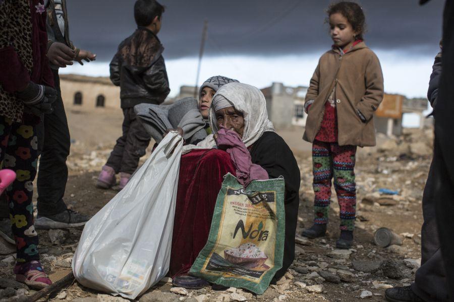 El conflicto ha destruido numerosas casas, negocios y escuelas y, sin acceso a medios de vida, muchas personas han agotado sus recursos y se han endeudado.