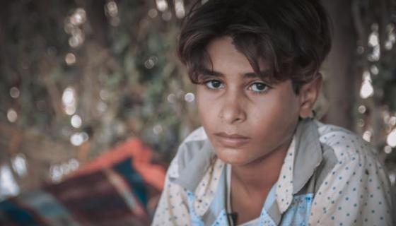 Salah, 11 ans, a fui par deux fois ces quatre dernières années. Il a assisté à la guerre de près et vu des personnes se faire tuer ou blesser. Il a arrêté l'école pour travailler comme berger afin de nourrir sa famille. Photo: Sami M.Jassar/Oxfam