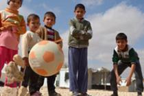 Niños juegan en el campo de refugiados de Zaatari, en Jordania. Foto: Oxfam