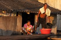 A family remains isolated due to the recent floods in Riosucio.