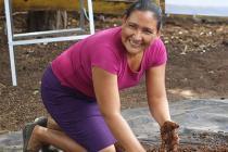 Mujeres rurales aprenden técnicas para combatir el cambio climático y aumentar la producción en la Escuela Técnica de Campo