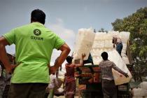 Alors que la saison de la mousson a commencé au Bangladesh, Oxfam met tout en œuvre pour apporter une aide d'urgence et préparer les familles de réfugiés rohingyas à une nouvelle catastrophe. Photo : Maruf Hasan/Oxfam