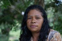 """""""Lo perdimos todo"""" dice Rosa Yaneth Chávez. """"Nos fuimos a la cama sin comer. No podíamos dormir pensando en qué ibas a dar a tus hijos de comer."""" Foto: James Rodríguez / Oxfam América"""