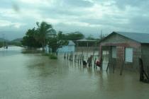 Vista de las viviendas afectadas por las inundaciones en República Dominicana. Foto: Cristóbal de Guillermo - Cuevas Medina /CIEPO