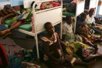 Patients wait for treatment in crowded conditions, Bwalia 'Bottom' Hospital, Lilongwe, Malawi. Photo: Abbie Trayler-Smith/Oxfam