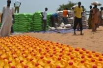 Oxfam in Niger is distributing food packages to vulnerable conflict affected communities to the east of Diffa town, in the Diffa region of Niger.