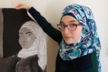 Batoul Taha, syrienne de 18 ans, vit à présent dans un appartement de Chicago avec sa mère, son père et ses deux frères. Photo : Coco McCabe/Oxfam Amérique