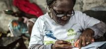 Agnes Nyantie, Ebola Community Health Volunteer in Monrovia, Liberia. Photo: Pablo Tosco/Oxfam