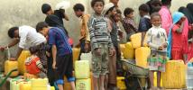 Children are collecting water for their families in Saana, Yemen. Photo: Hind Aleryani/Oxfam