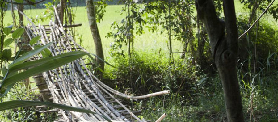 Huameuang's old suspension bridge. Photo: Tineke D'haese/Oxfam