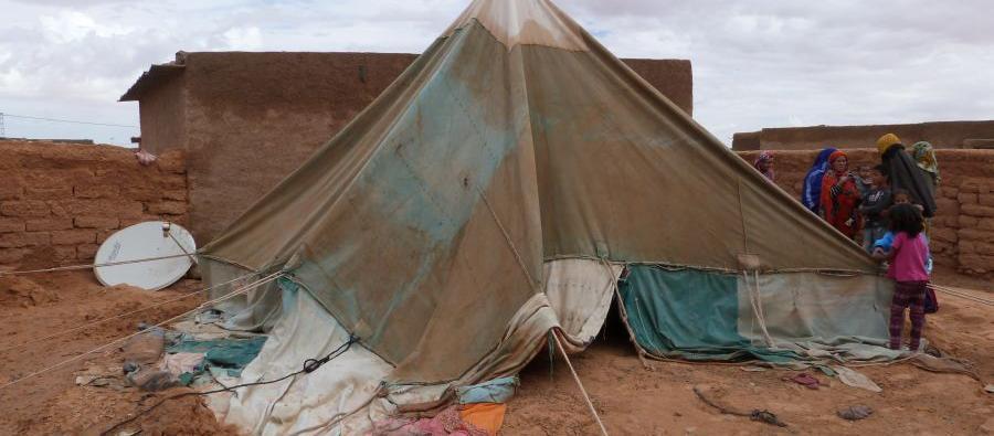 Campo de refugiados de Dajla, cerca de Tinduf, Argelia. En 2015, las inundaciones masivas provocaron una destrucción sin precedentes en los campos de refugiados saharauis.