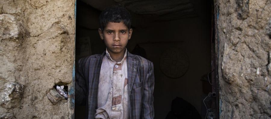 Yahya* lives in one room with his family and all their possessions. They need to walk for two hours to reach water wells, which are often contaminated by cholera. Photo: Gabreez/Oxfam