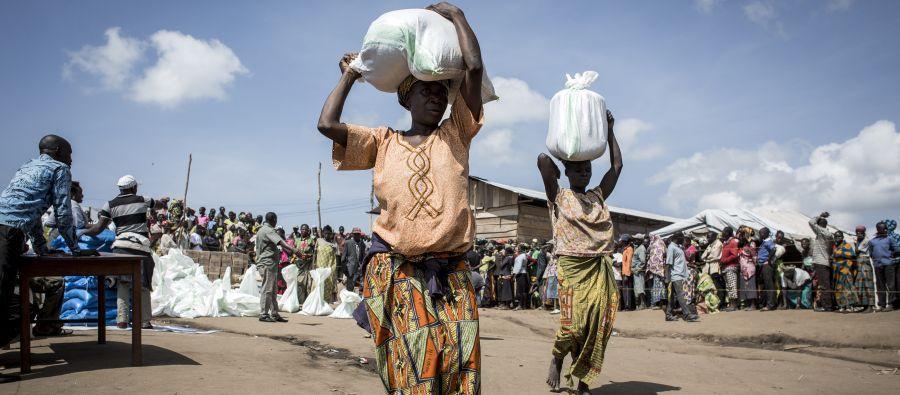 Françoise perdió a seis de sus hijos en el conflicto en la R.D. del Congo. Es una de las miles de personas desplazadas en el campo de Bunia, donde vive con sus cinco hijos restantes. Foto: John Wessels / Oxfam