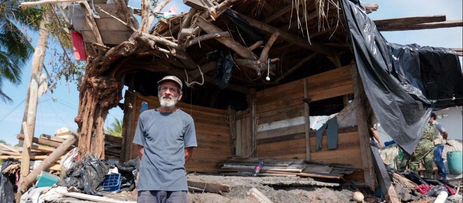 La población total afectada por el huracán Patricia podría llegar hasta 150.000 personas en el Estado de Colima, distrito El Paraiso (México). Foto: Wolf Kublun / Oxfam México
