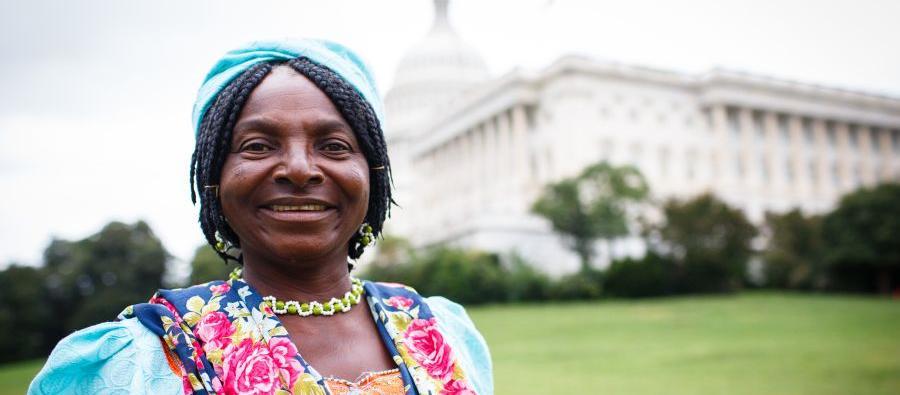 « Dans ma communauté, les femmes ne possèdent pas de terres, sauf si elles peuvent en acheter, car la plupart des terres familiales se transmettent aux fils. Une femme qui a l'intention de posséder une parcelle doit donc être prête à travailler dur. »
