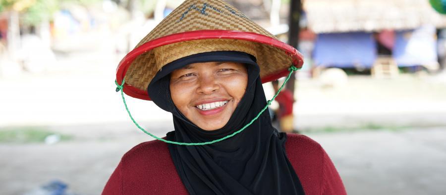 Seis meses después de los trágicos acontecimientos de septiembre de 2018, Aina sigue intentando rehacer su vida. Su familia ha recibido ayuda de Oxfam y vive en un refugio en el que hemos instalado agua potable y letrinas. Fotografía: N. Gabrielle/Oxfam